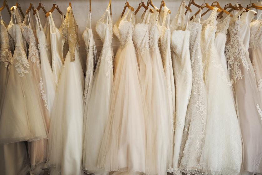 Dít bedrag besteedt de Nederlandse vrouw gemiddeld aan een trouwjurk