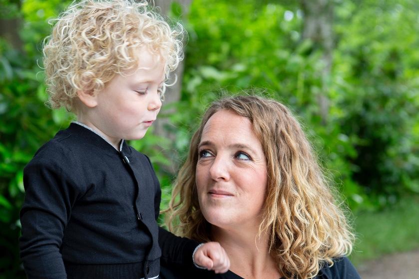 Nicole (41) raakte ongemerkt zwanger: 'Negen maanden!  En ik had niets door'