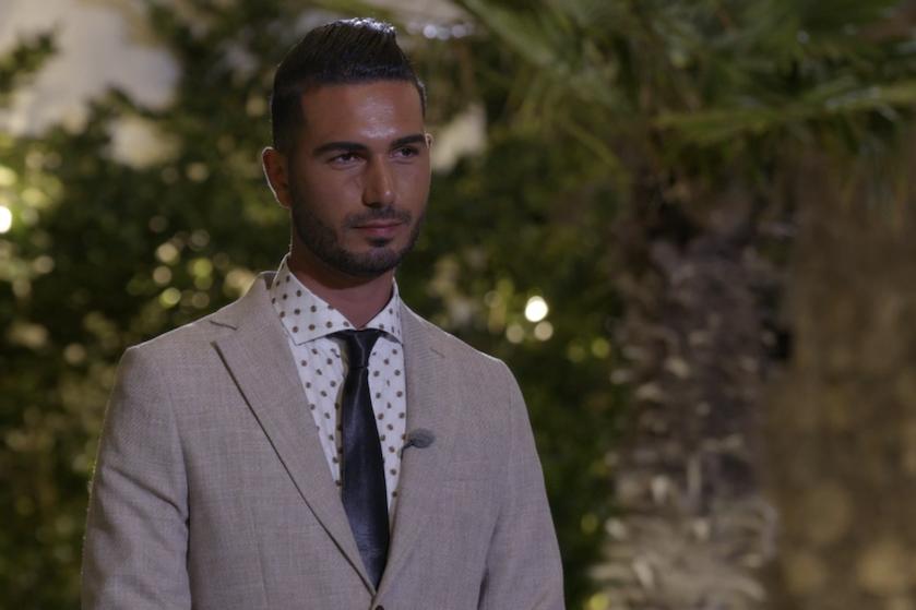 'Prince Charming'-ster Sezer maakt gehakt van medekandidaat Alastair: 'Walgelijk persoon'