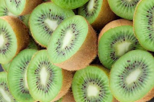 AHA: daarom eet je een kiwi best met z'n schil op