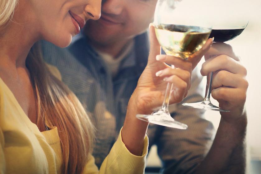 Cheers! In dit Friese hotel slaap je in een enorm wijnvat
