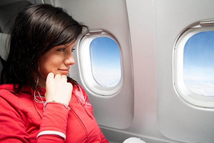 Dit zijn de smerigste plekjes in het vliegtuig