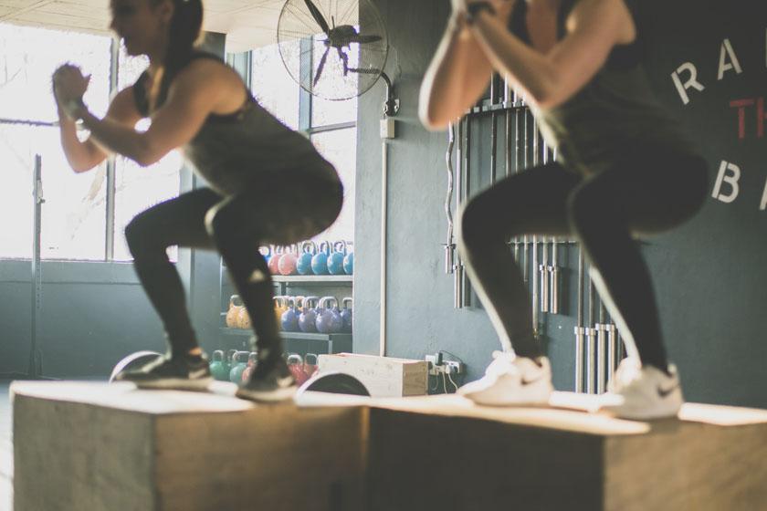 Tips van personal trainer over 'hygiëne-foutjes' (die we allemaal maken) in de sportschool