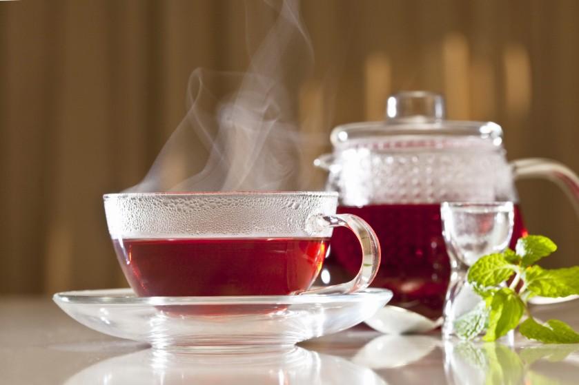 Vergeet groene thee: drink dagelijks een kopje hibiscusthee