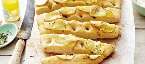 Recept: Focaccia met aardappel en rozemarijn
