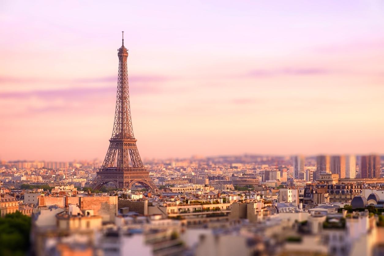 Wauw, wil jij een nachtje in de Eiffeltoren slapen?