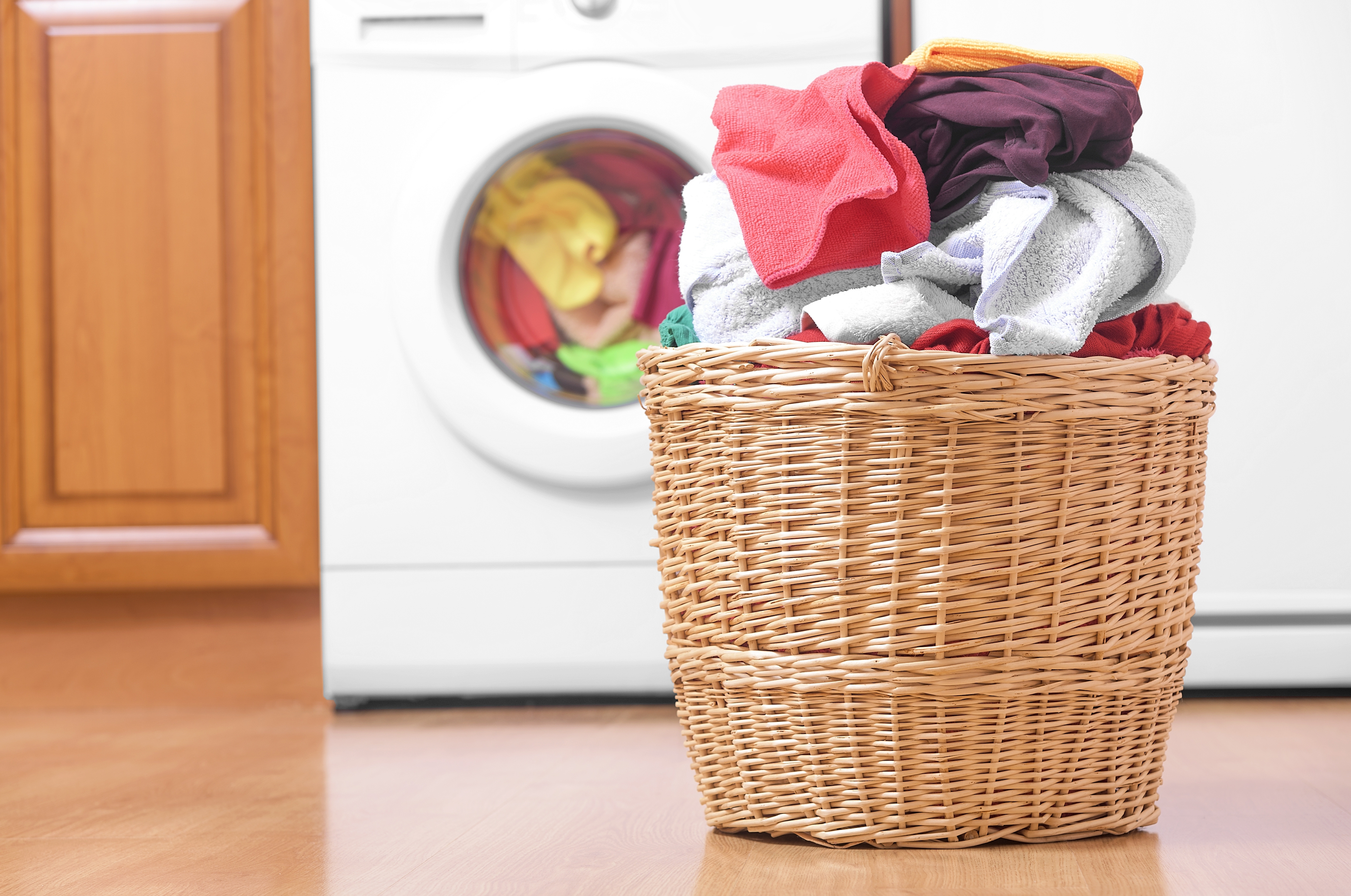 Zó lang kun je kleding dragen voor het in de was moet