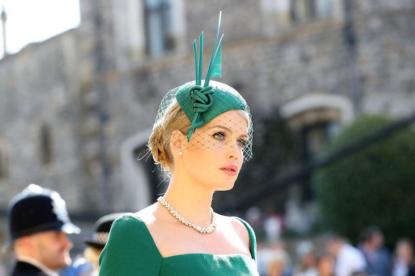 Nichtje van prinses Diana op koninklijke wijze getrouwd met 32 jaar oudere miljardair