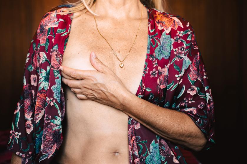 We controleren onze borsten te weinig (en zo doe je het)