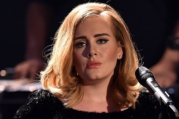 Adele shockeert op Glastonbury met haar 'potty mouth'