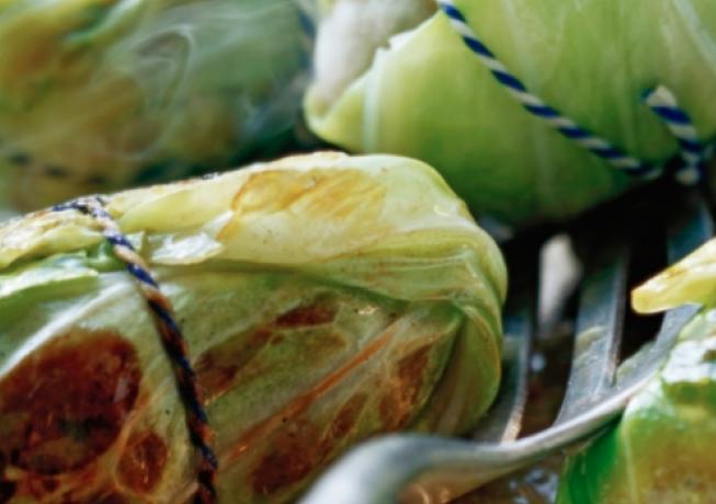 Recept: snelle koolrolletjes met gehakt en peterselie