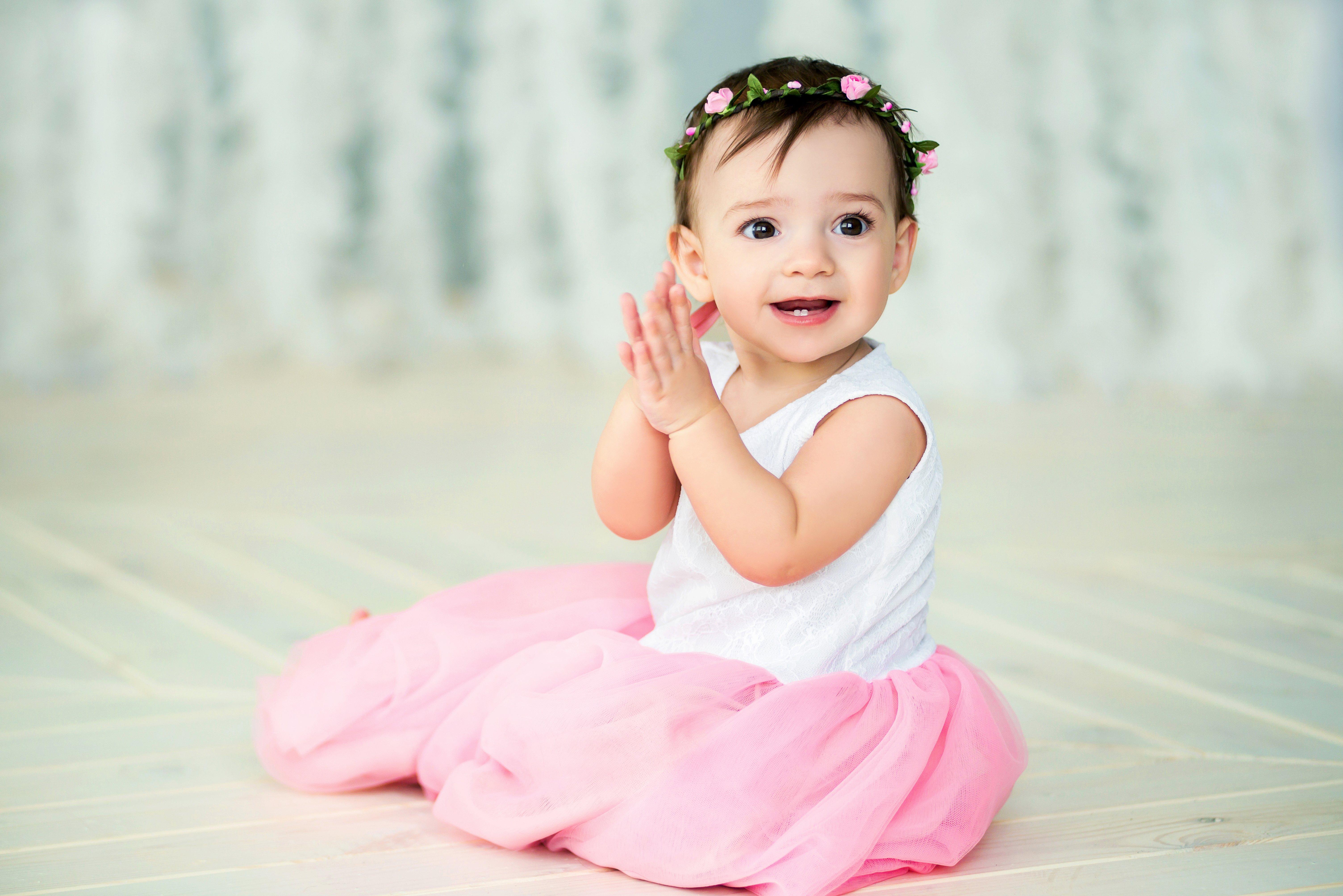 happy baby smile; Shutterstock ID 409210483; Title: babynamen geinspireerd door de natuur