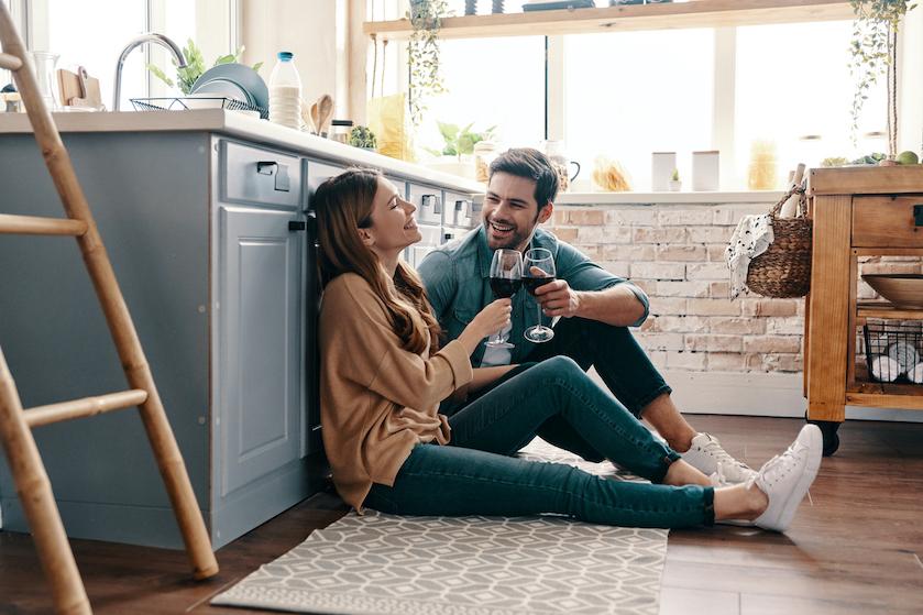 Klaar voor de volgende stap in je relatie? Dit zegt je sterrenbeeld over samenwonen
