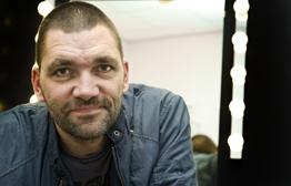 Theo Maassen gaat zijn eerste film regisseren!