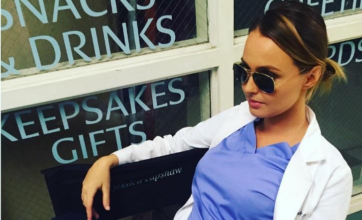 YAY! Grey's Anatomy-actrice Camilla Luddington maakt geslacht baby bekend