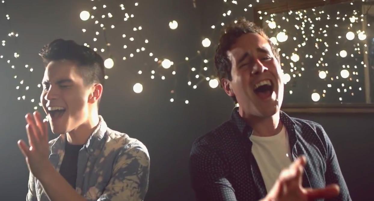 Wow! Twee jongens zingen gelijktijdig een nummer van Ed Sheeran en Sam Smith