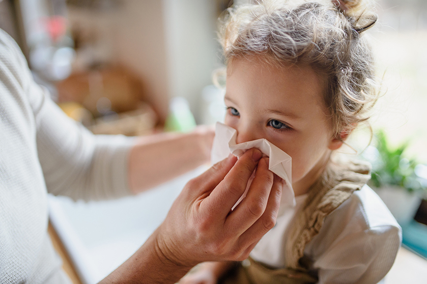 Snottebellenbeleid aangepast: verkouden kind? Dan mag 'ie gewoon naar school