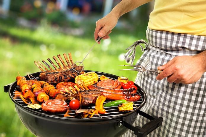 Last-minute barbecuen? Zo ontdooi je vlees uit de vriezer in 10 minuten