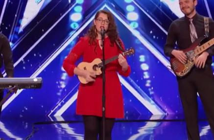 VIRAL: Gouden buzzer voor dove vrouw in America's Got Talent