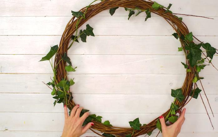 Video: zo maak je zelf een feestelijke kerstkrans