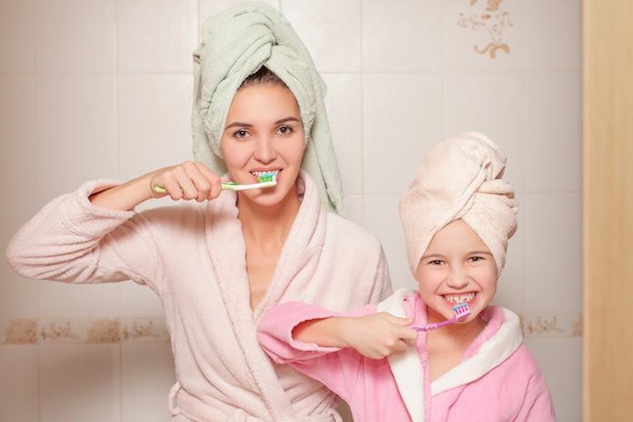 Onthuld: moet je je tanden voor of na het ontbijt poetsen?