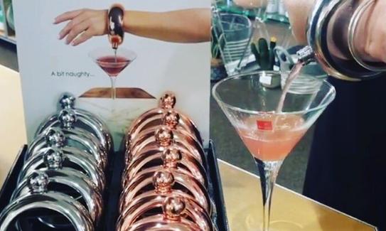 Cheers: in deze armband kun je drank meesmokkelen