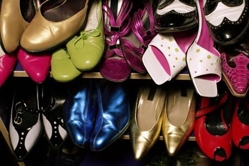 Onderzoek wijst uit: zóveel paar schoenen heeft een vrouw gemiddeld in haar kast staan!