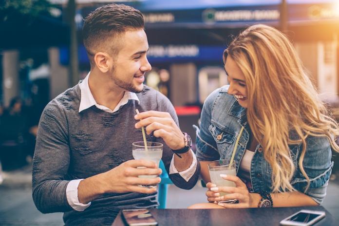 8 vragen om te stellen op een eerste date