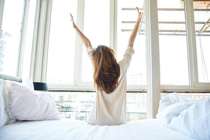 Dankzij dit trucje kom je 's ochtends veel makkelijker en sneller uit bed