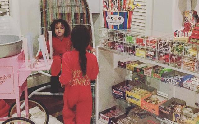 OMG! Mariah Careys kinderen hebben een eigen snoepwinkel in huis