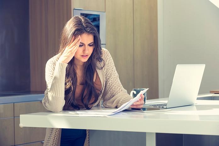 Heftig: vrouw raakt door Tinder-dates haar werkloosheidsuitkering kwijt