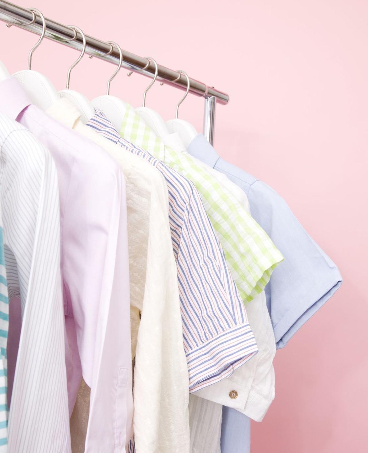 Hoe komen die kleine gaatjes in je T-shirt?