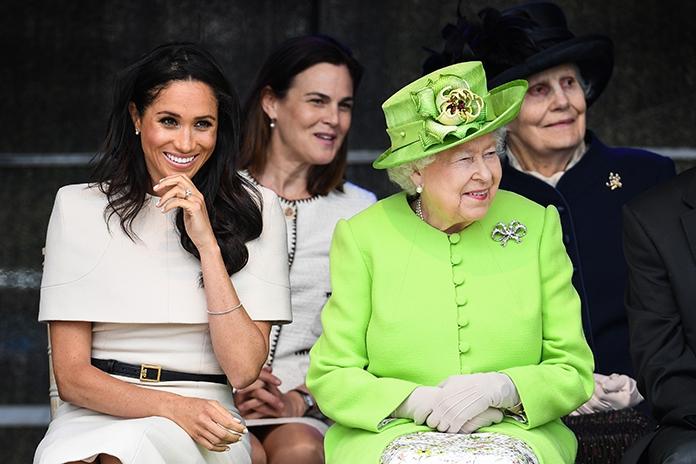 Zien: Koningin Elizabeth en Meghan Markle samen op pad