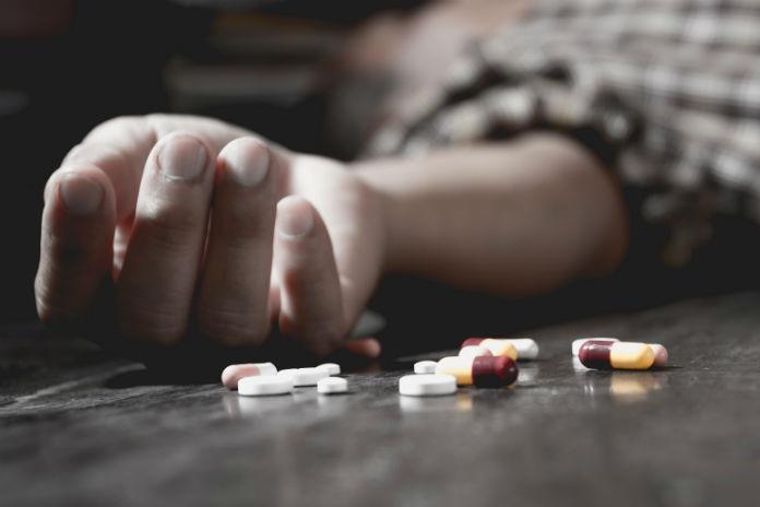 Janet (27) nam twee keer een overdosis: 'Ik wilde niets meer voelen'