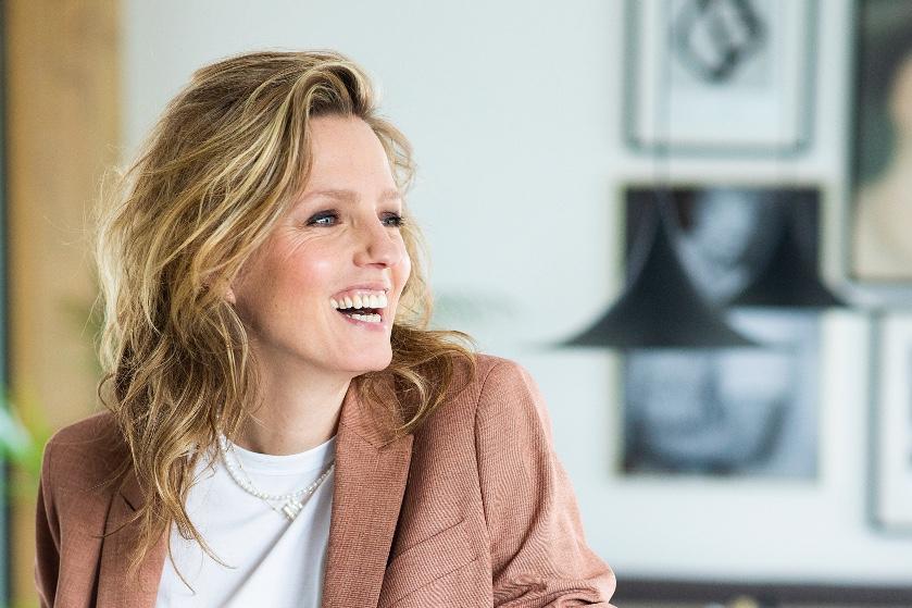 Leonie Ter Braak is geen moederkloek: 'Ik vind het heerlijk om zonder kinderen weg te gaan'