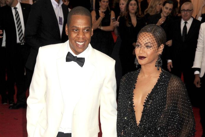 Jay Z in tranen nadat zijn moeder haar grootste geheim éindelijk opbiecht