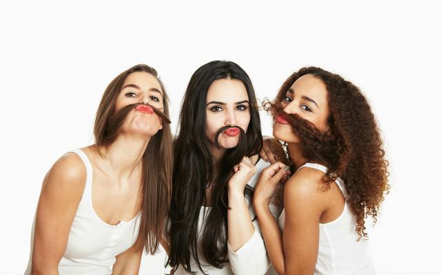 Je gezicht scheren om rimpels te voorkomen?