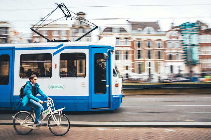 Op zoek naar gezelschap? Dit weekend kun je speeddaten in een Amsterdamse tram