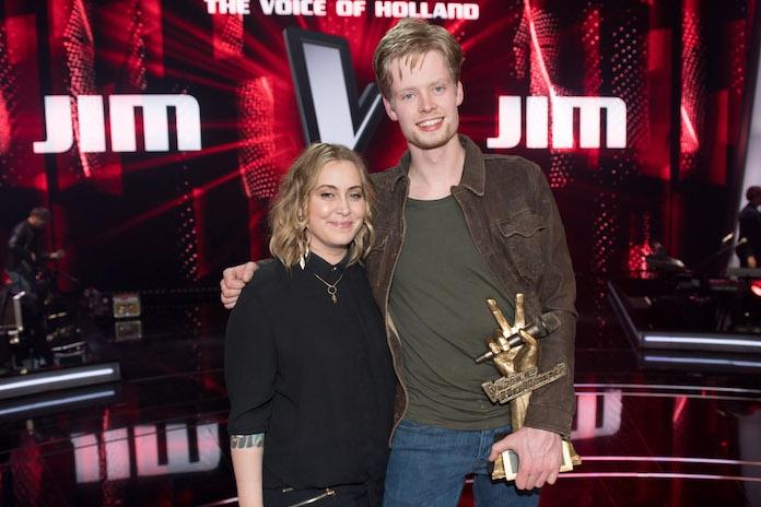 Anouk laat na The Voice of Holland winnaar Jim nu al in de kou staan