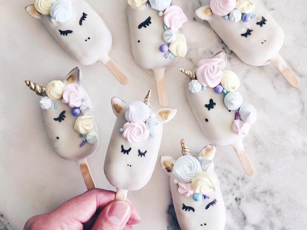 YUM: unicorn cake pops zijn ons nieuwe favoriete gebak
