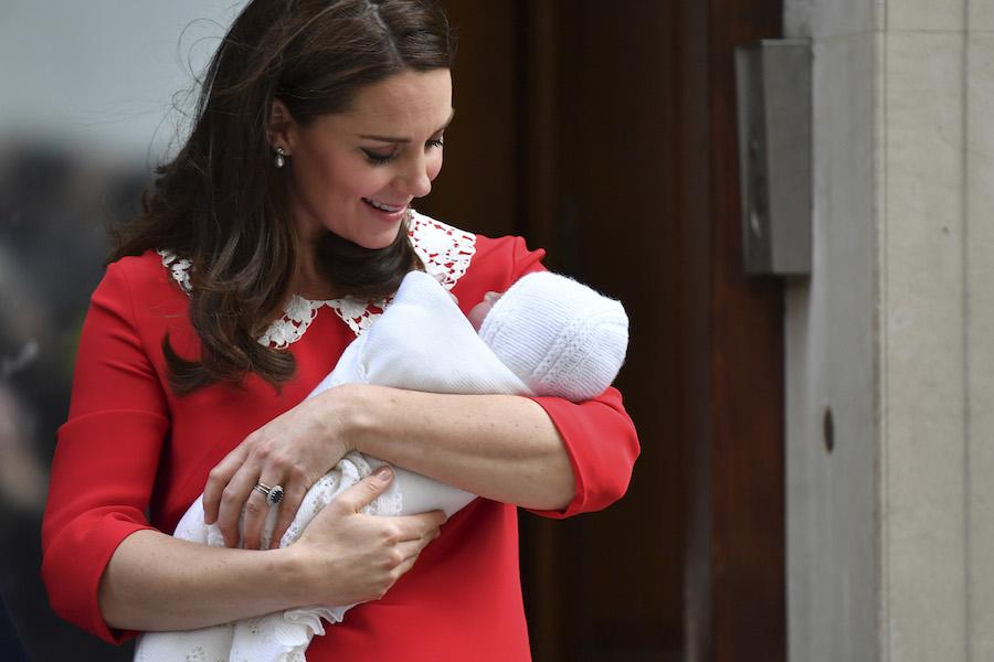 Héél opmerkelijk: dit doen vrouwen blijkbaar binnen 2,5 uur na de bevalling