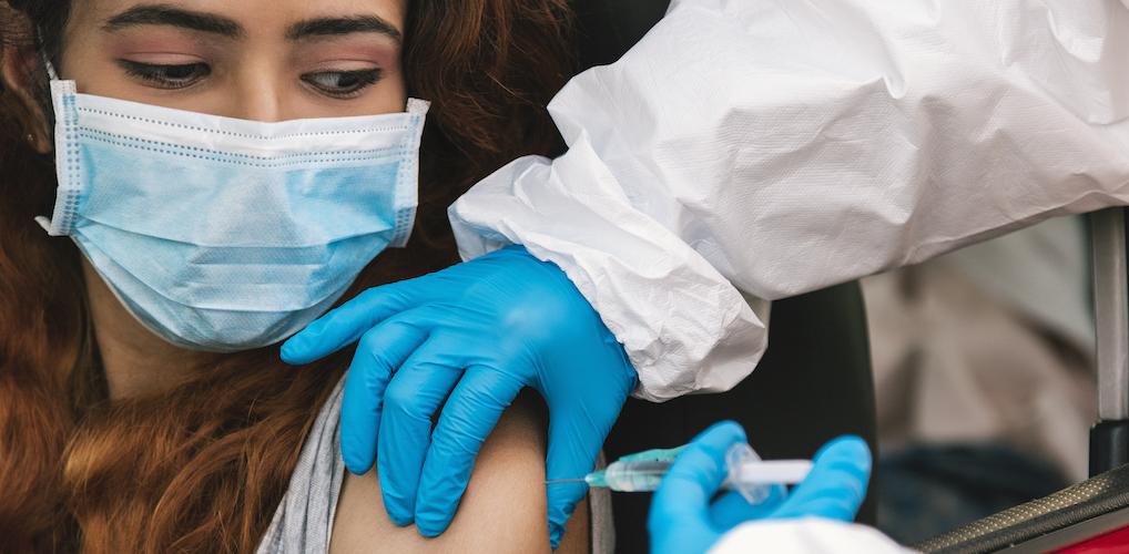 """In vertrouwen: """"Jij bent altijd zo goedgelovig,' zei ze, 'maar ik neem het risico van vaccineren niet"""""""