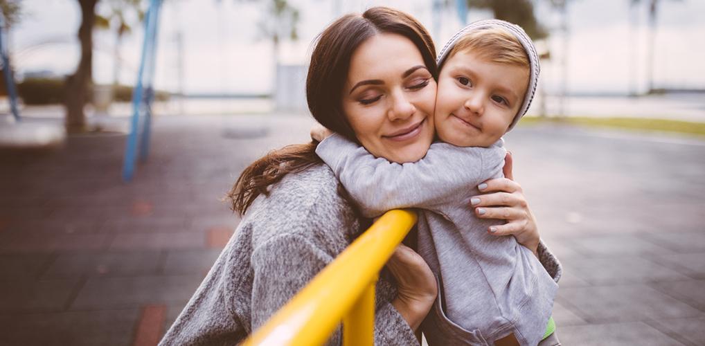 Waarom het juist wél normaal is als het kind de achternaam van de moeder krijgt