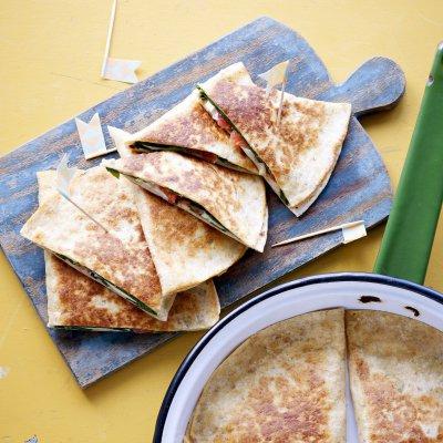 Recept: Quesadilla met spinazie en tomaat