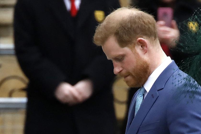 Prins Harry teruggekeerd in Verenigd Koninkrijk voor uitvaart Philip, zónder Meghan