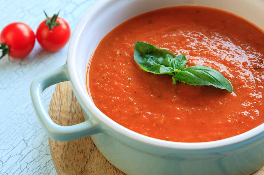 Wa-ter-tan-den: met dit recept maak je de makkelijkste en snelste tomatensoep ooit