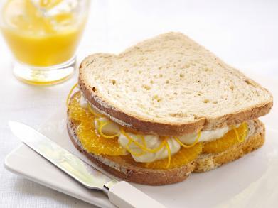 Originele lunch: een boterham met sinaasappel en mascarpone