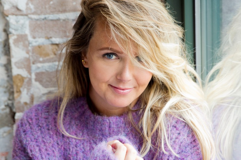 Monique Smit rekent op cynische manier af met moedermaffia: 'Ik hoop dat jullie wél perfect zijn'