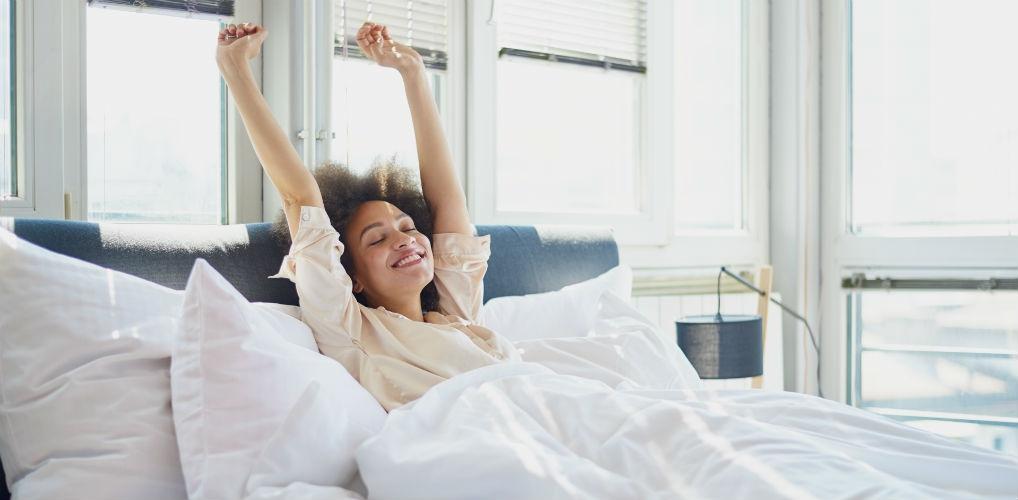 Nieuw onderzoek laat zien dat uitslapen wél goed voor je is