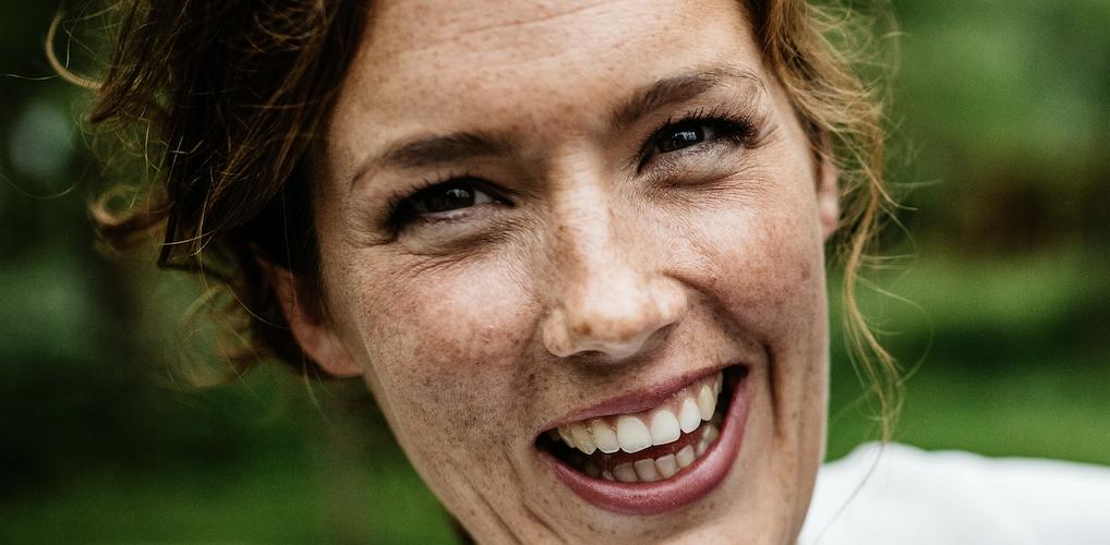 Annet heeft kanker: 'Mijn blote borsten plaatst ze zorgvuldig in een schuimrubberen kussen'